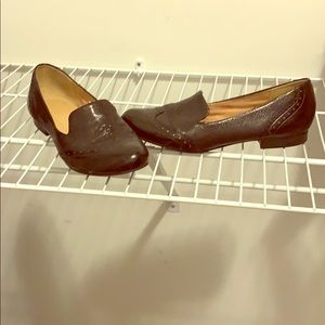 Comfy but cute black leather office shoes